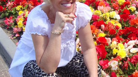 HAPPYGRANNY | www.showload.com | Showload image2