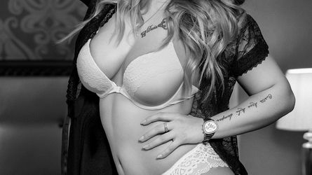 ZlataRay | www.sexierchat.com | Sexierchat image4