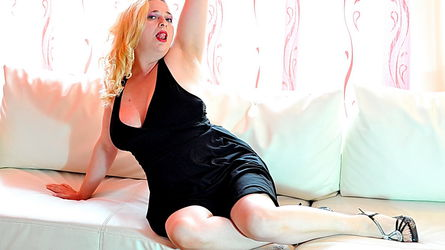MilfySophie | www.sexcam4chat.com | Sexcam4chat image44