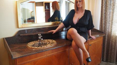alexsisfaye | www.showload.com | Showload image64